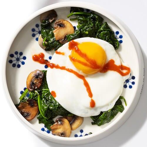 Eier mit Spinat