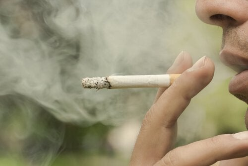 Mann-raucht