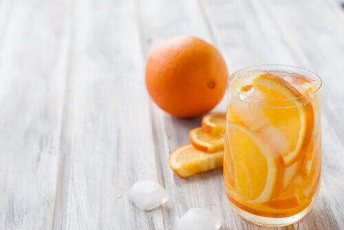 Zitrusfrüchte auf leeren Magen