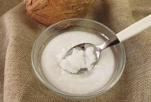 Kokosmilch und Zucker