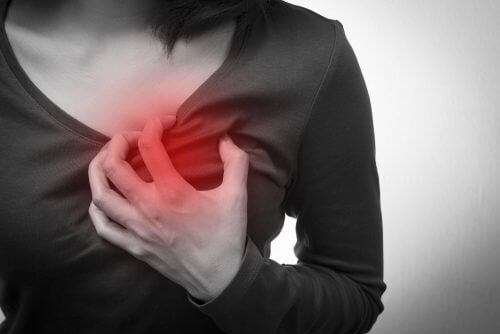 5 Symptome eines Herzstillstands, die nur bei Frauen auftreten