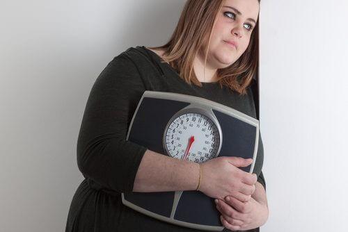 Polyzystisches Ovarialsyndrom bei Frau mit Übergewicht