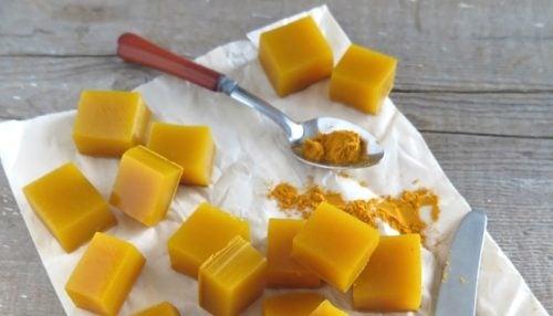 Gelatine mit Honig und Kurkuma Herstellung