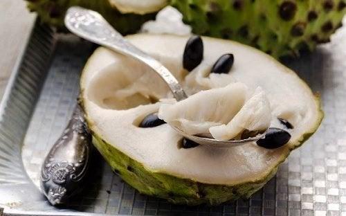 9 gesundheitsfördernde Eigenschaften der Cherimoya