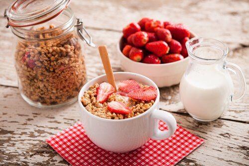 flacher Bauch: mit einem gesunden Frühstück kannst du dein Ziel erreichen