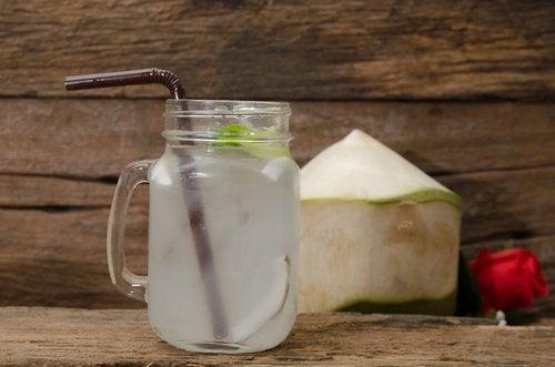 Getränke gegen Schlaflosigkeit: Kokoswasser