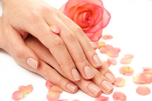 Hände pflegen und jung bleiben