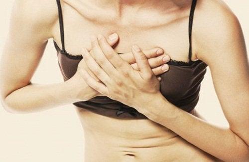 Brustschmerzen eines der Signale für eine Herzerkrankung