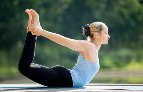 Der Bogen - Yoga-Übungen für einen flachen Bauch