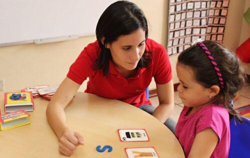 Zu den Eigenschaften eines Kinderschänders zählt, dass sie häufig beruflich mit Kindern zu tun haben.