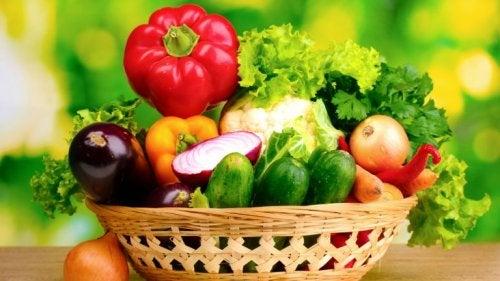 natürliche Wimpernpflege mit Gemüse