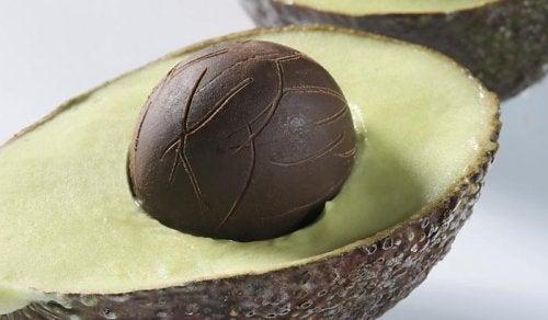 Pflege der Haut in den Wechseljahren mit Avocado