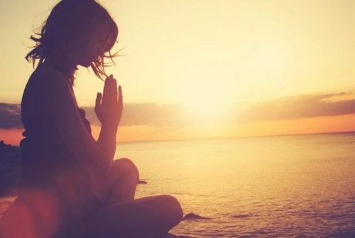 Durch Meditation für Streit gewappnet