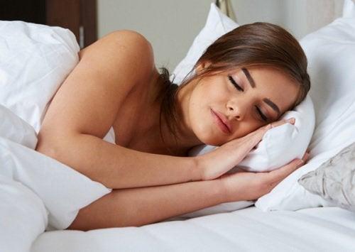 Schlafen um Anzichen für einen hohen Cortisolspiegel zu verhindern