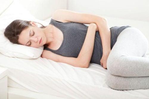Anzeichen für Krebs: Schmerzen im Beckenbereich