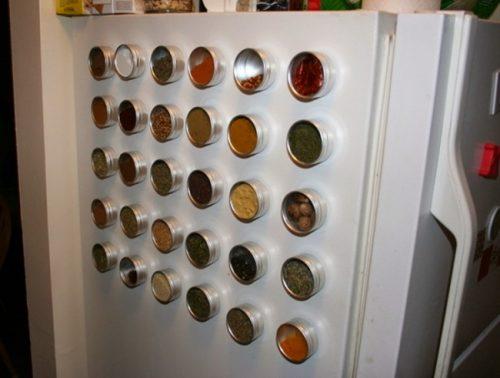 Dosen mit Magnet für mehr Ordnung zu Hause