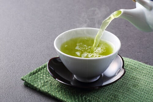 fettverbrennende Nahrungsmittel: grüner Tee