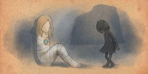 Ein Mädchen im Kokon begegnet in der Stille ihrem Schatten.