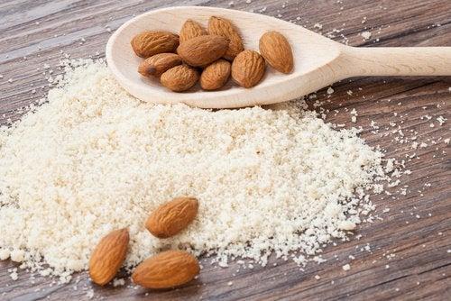 Behandlung von Pigmentflecken mit Mandelmehl und Kokosöl