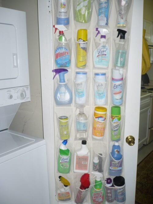 Mehr Ordnung zu Hause: organisiere deinen Putzmittelschrank!