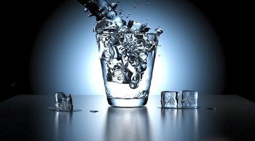Schlechter Harngeruch durch Wassermangel