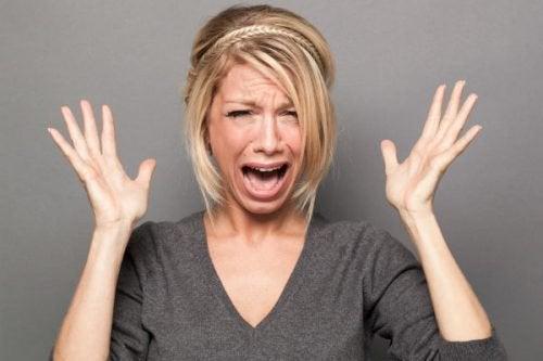 Liebe ohne Leidenschaft - Frau gerät in Panik!