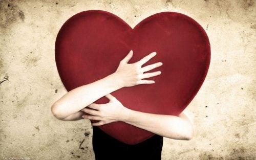 Tägliches Spazierengehen schützt das Herz