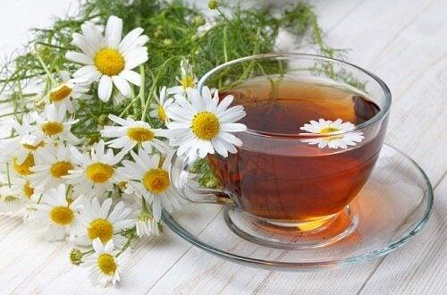 Tees gegen Verdauungsbeschwerden:Kamillentee