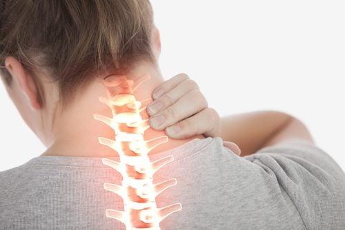 4 einfache Übungen gegen Nackenschmerzen