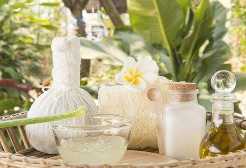 Rezept für ein selbstgemachtes Hautgel mit natürlichen Zutaten