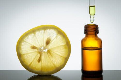Zitrusöl zur Behandlung von Cellulite