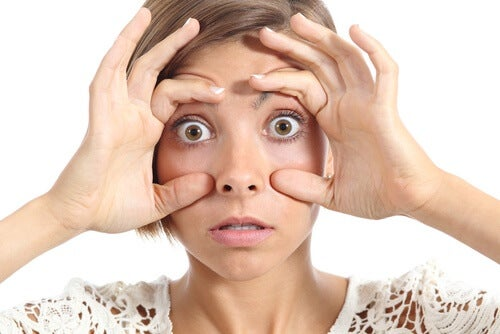Gelb gefärbte Augen als Anzeichen für Krankheiten