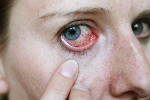 Anzeichen für Krankheiten an den Augen erkennen