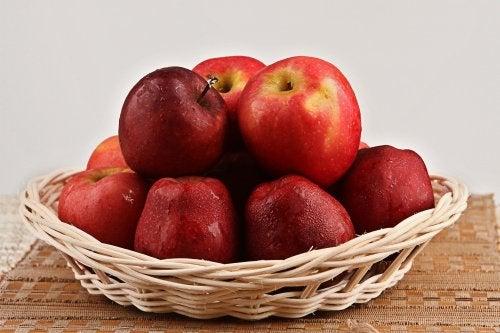 Obst- und Gemüsesorten gegen Flüssigkeitsretention: Apfel