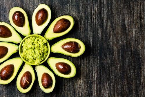 Gesichtsmasken für strahlende Haut mit Avocado