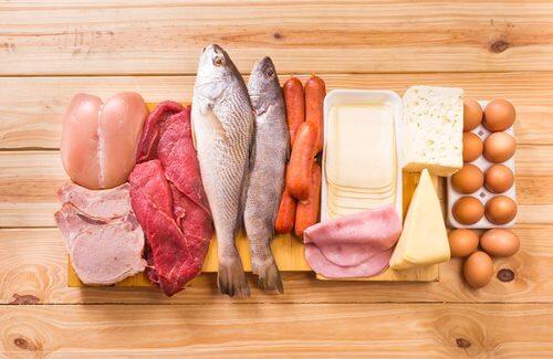 Muskeln aufbauen: mehr Protein und Kohlenhydrate