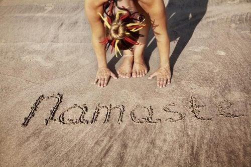 Namaste in Sand geschrieben