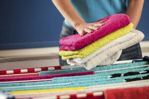 Pflege der Wäsche und der Handtücher