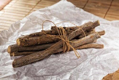 Süßholz gegen Husten mit Auswurf
