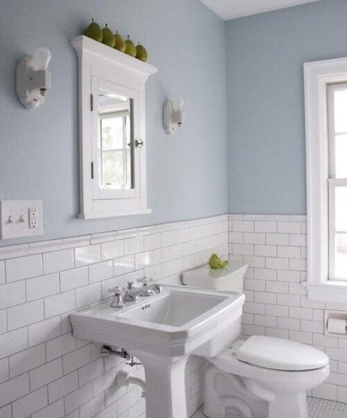 Charmant Schönes Badezimmer Mit Wanddekoration