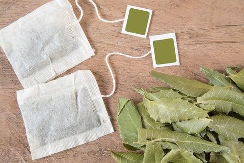 Hausmittel gegen unangenehme Gerüche im Intimbereich: Tee