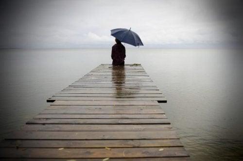 Alleinsein tut weh, aber nur durch den Schmerz kann man heilen