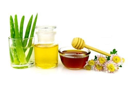 Gesichtspflege mit Aloe Vera und Honig