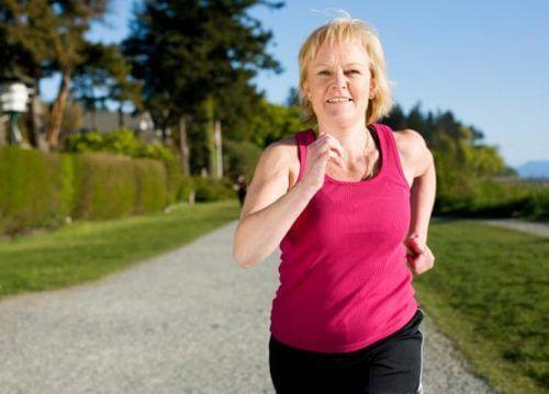 Bewegung gegen eine Gewichtszunahme in der Menopause