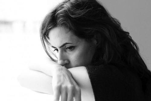 9 WICHTIGE Aspekte über die Krankheit Endometriose