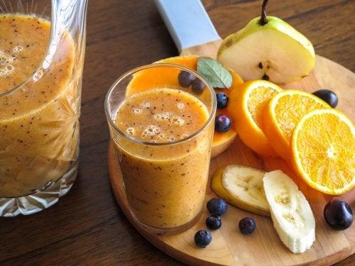 Obstgetränke mit Orangen