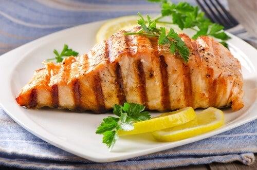 Vorteile von Lachs aus dem Backofen mit Zitrone.