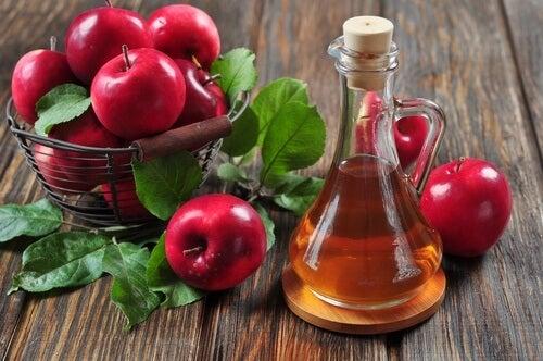 Apfelessig gegen zystische Akne