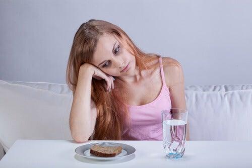 Symptome für Eierstockkrebs: Sättegefühl