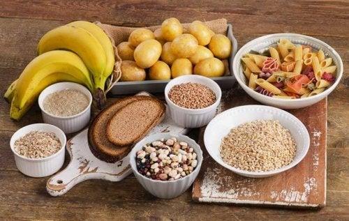 Ernährung und Übungen zum Bauchmuskeltraining